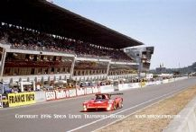 Ferrari 333SP Velez/Evans/Muller. Photo Le Mans 1996 Passing pits